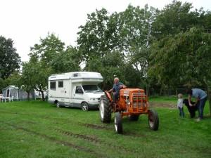 foto alex tractor camping
